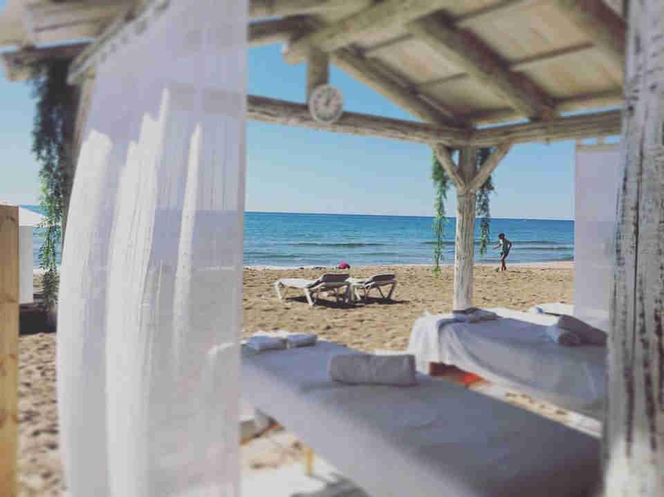 Sitges beach massages