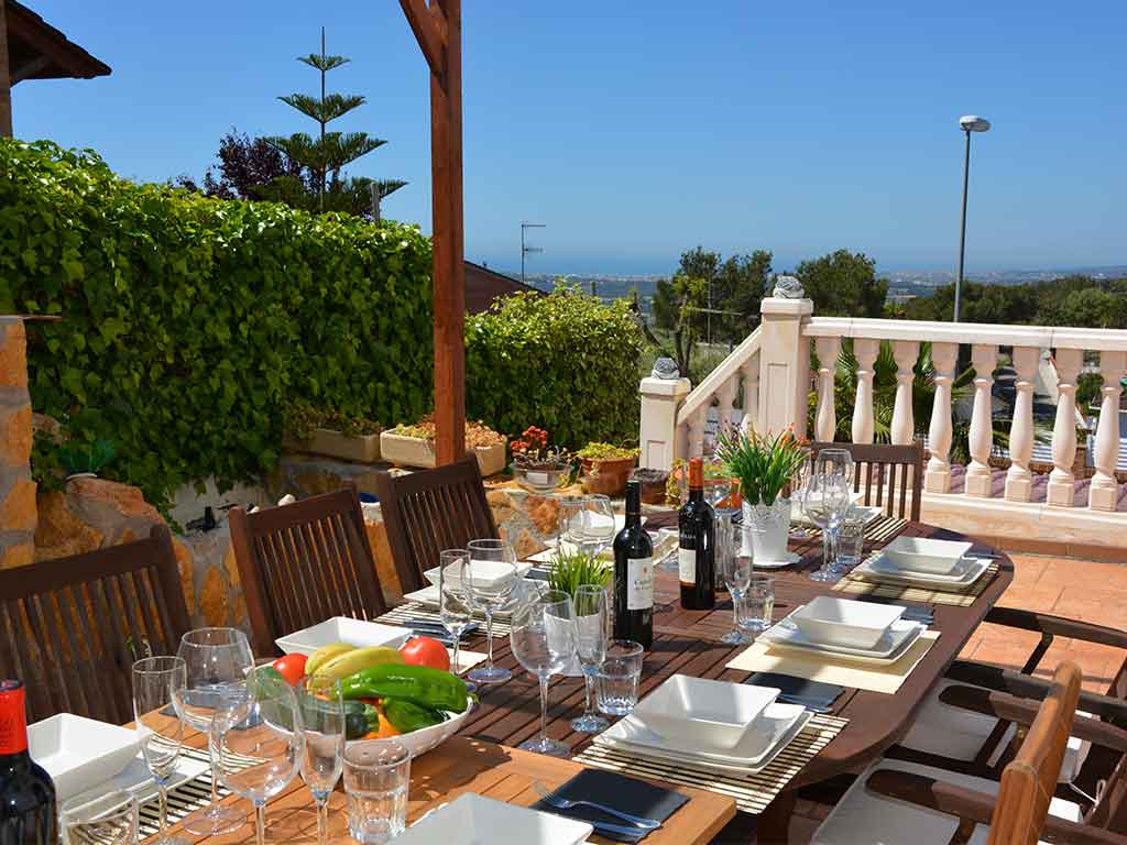 Sitges villa with 2 pools and beautiful outdoor dining room