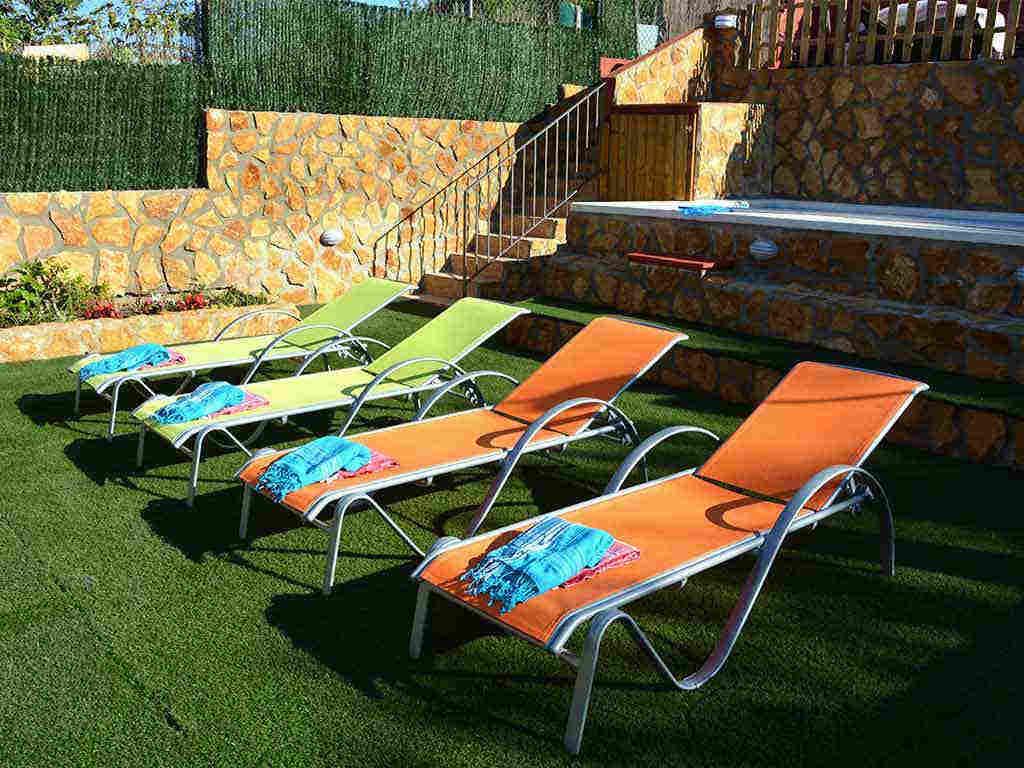Casa de vacaciones en Sitges con tumbonas