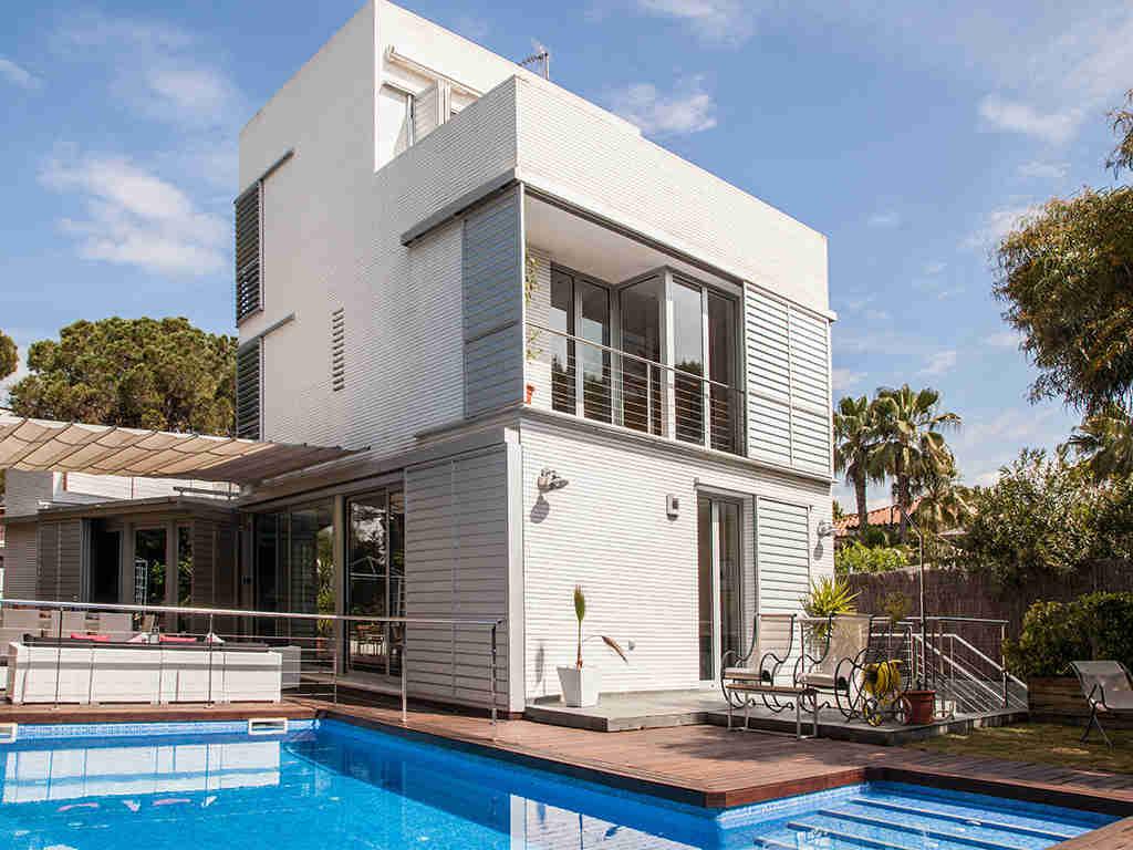 Ruta de Terramar en Sitges: Villas para alquilar durante las vacaciones
