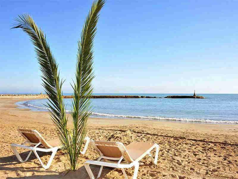Ruta de Terramar en Sitges: playa de Terramar