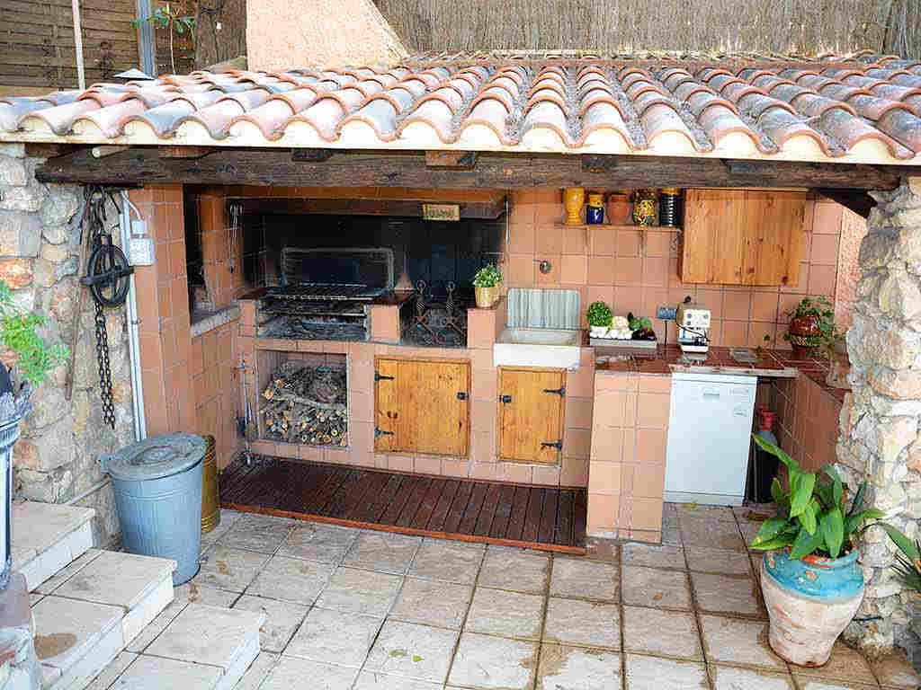 Villa de vacances à Sitges: installations de barbecue