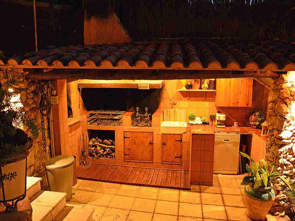 Villa de vacances à Sitges: barbecue extérieure
