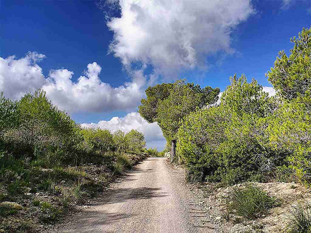 Sitges holiday house to rent: hiking