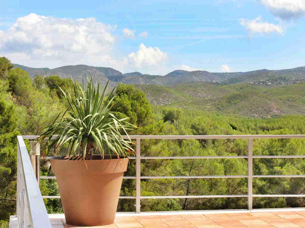 casa de vacaciones cerca de Sitges: vista a la montaña