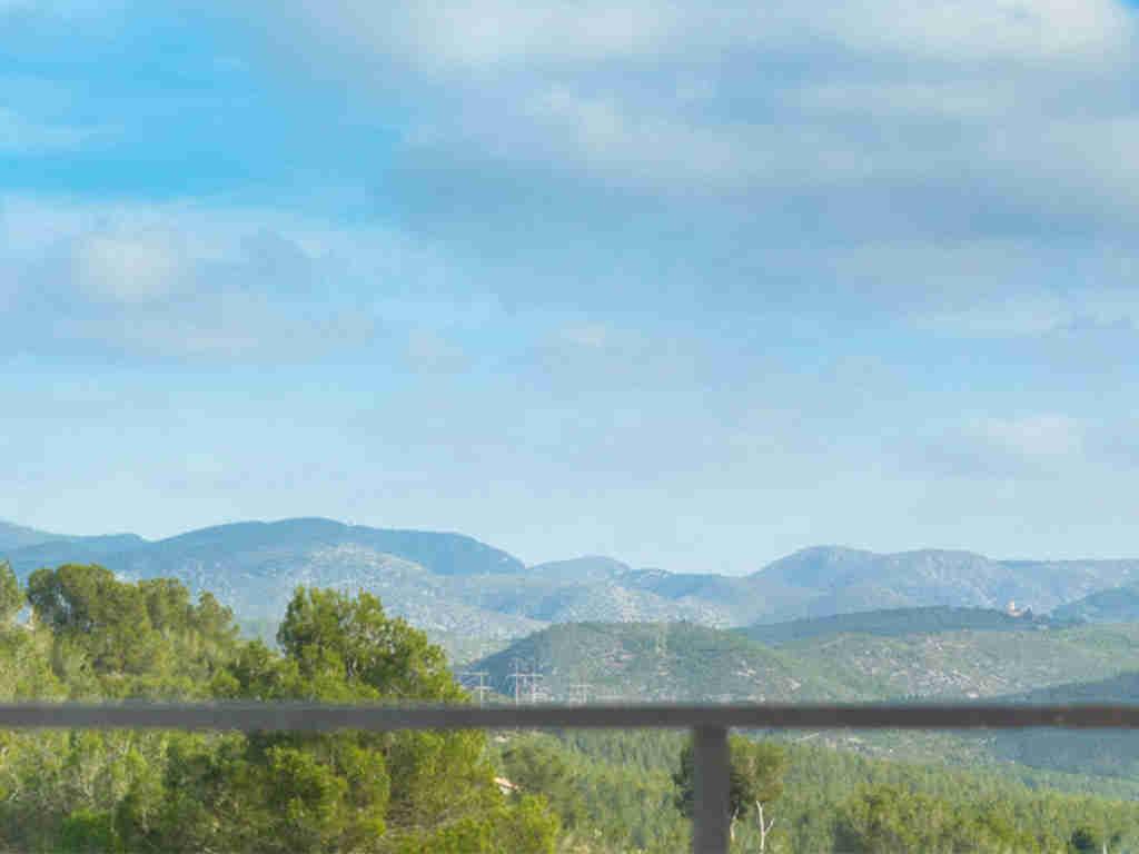 casa de vacaciones cerca de Sitges: vista a las montañas