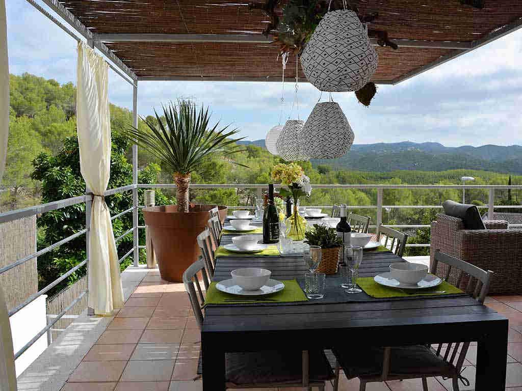 casa de vacaciones cerca de Sitges: comedor exterior