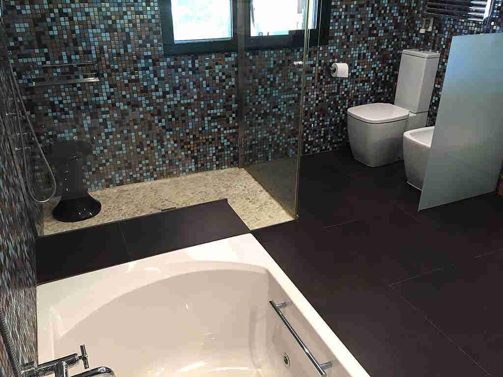 Villa de vacances à Sitges proche de Barcelone: salle de bain moderne