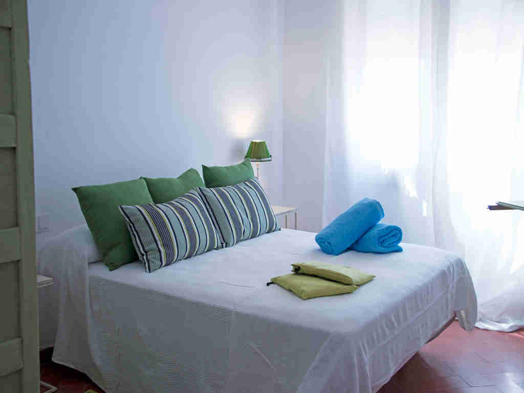 Casa en sitges cerca de barcelona: cama doble
