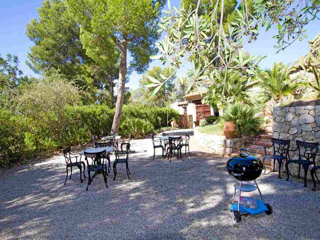 Holiday Sitges villa near Barcelona: barbecue