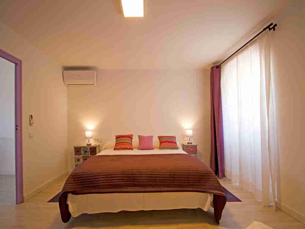 Casa en sitges cerca de barcelona: habitacion para dos personas