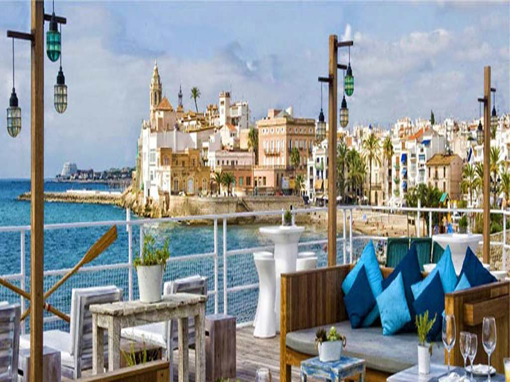 holiday's rental agency in Sitges: views.