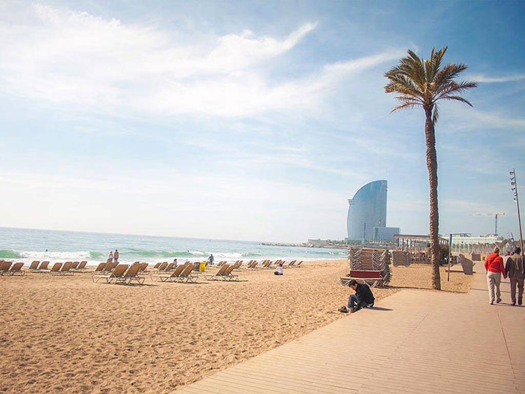 summer holidays period in Barcelona: La Barceloneta.