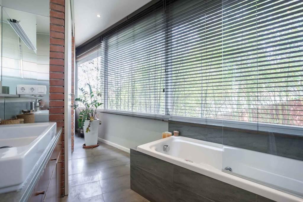 Villa Sitges Mariposa suite bathroom