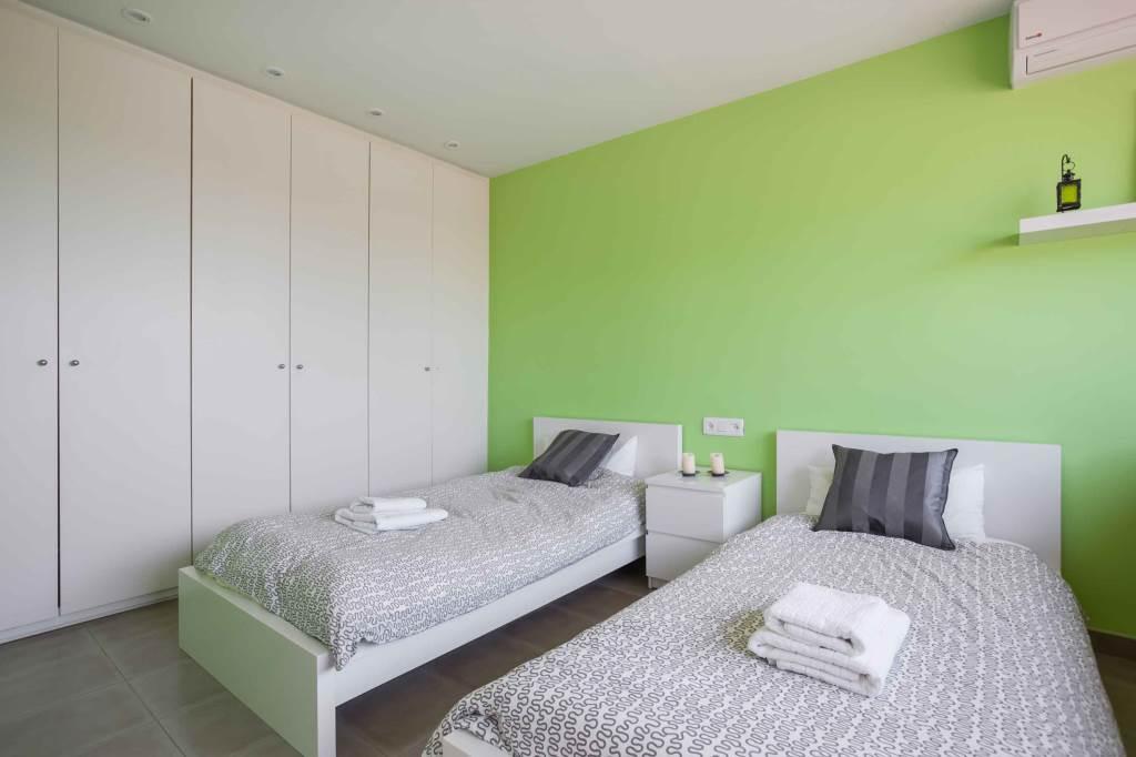 Villa Sitges Mariposa dos camas individuales