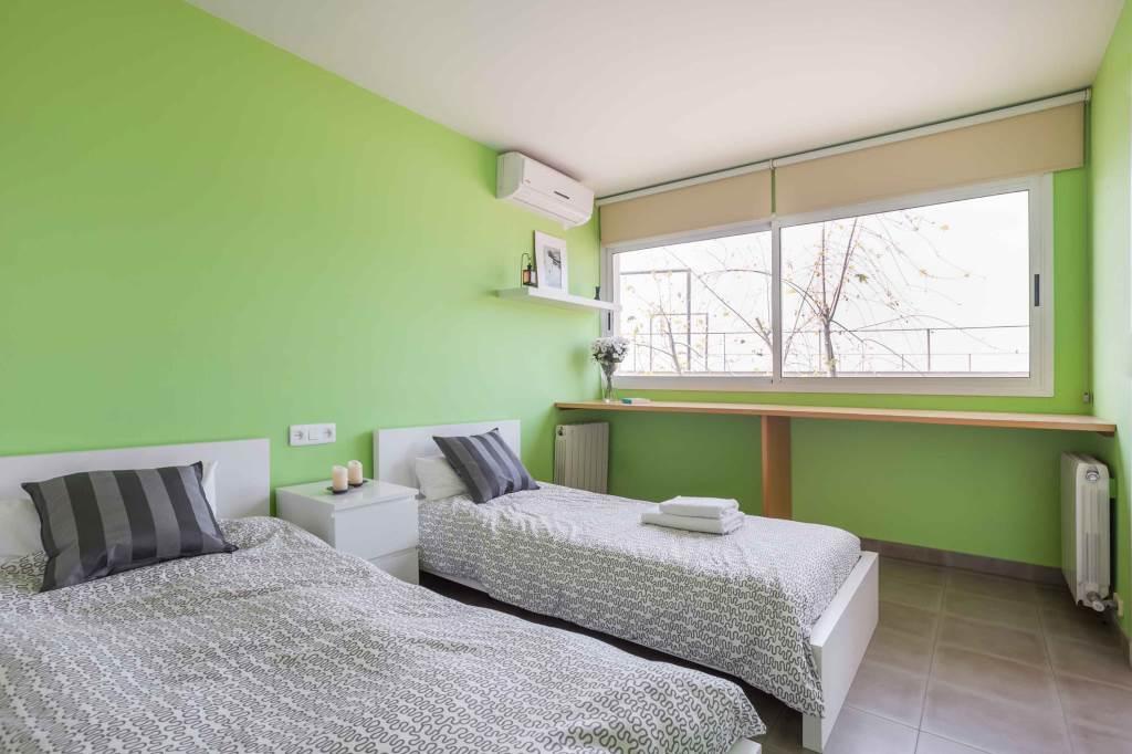 Villa Sitges Mariposa habitacion con dos camas