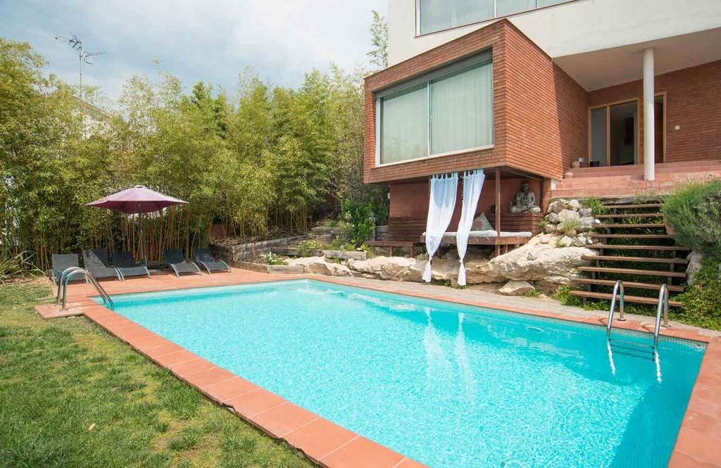 Villa Sitges Mariposa swimming pool