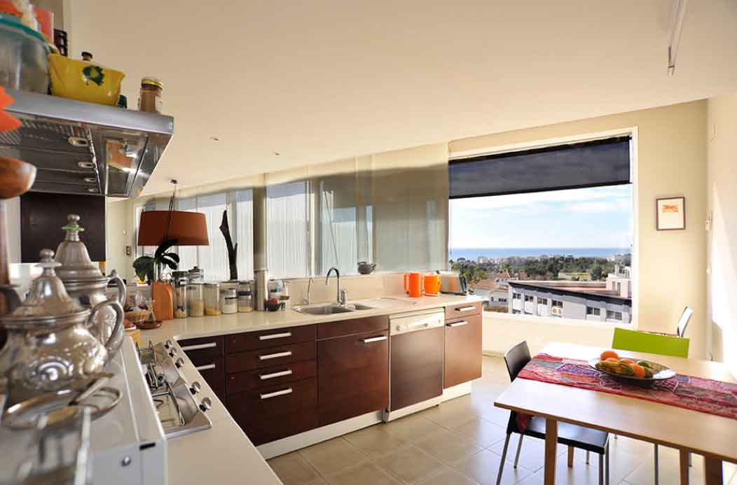 Villa Sitges Mariposa equipped kitchen
