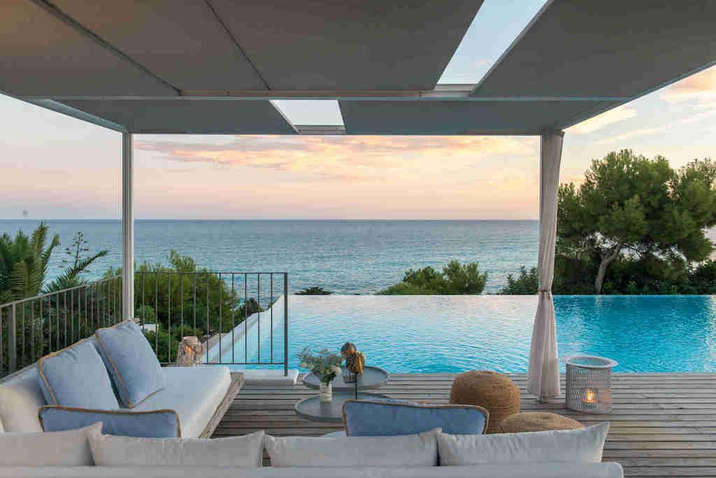 Yoga Privé dans votre Villa de Luxe à Sitges Cet Été